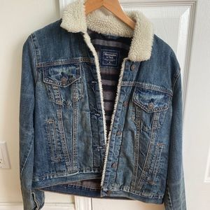 abercrombie and fitch jean jacket size M